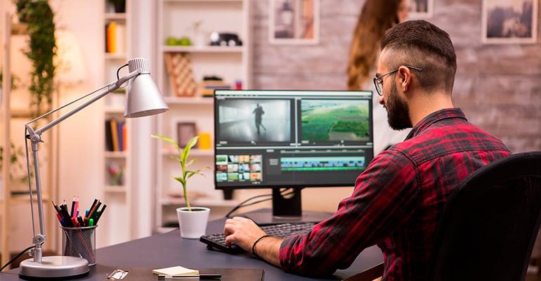 Spécialiste marketing vidéo possédant les compétences clés pour faire son travail dans le département marketing